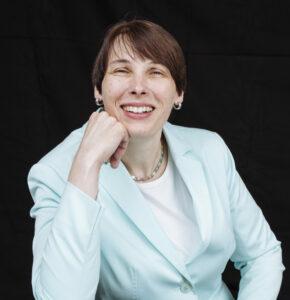 Prof. Iris Hausladen